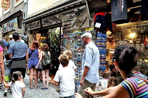 cette-saison-la-cite-de-carcassonne-a-vu-sa-frequentation_801801_516x343